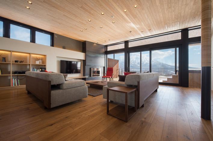 Kazahana Chalet Niseko Hirafu Living Room