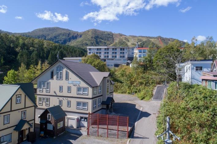 Niseko Alpine Apartments 2 A 1