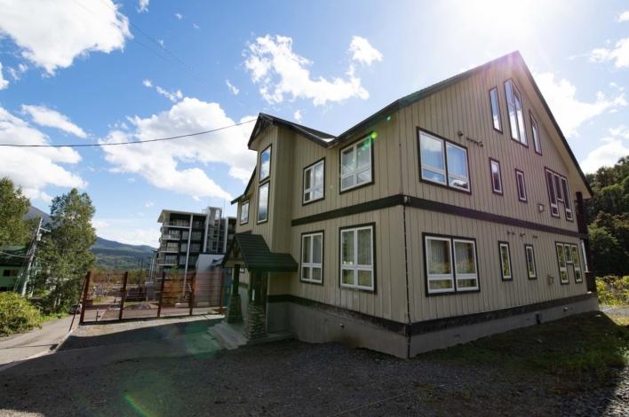 Niseko Alpine Apartments 2 A 5